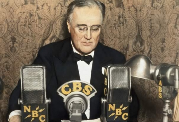 http://www.history.com/images/media/slideshow/franklin-d-roosevelt/franklin-d-roosevelt-radio.jpg
