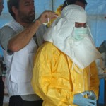 Preparing_to_enter_Ebola_treatment_unit